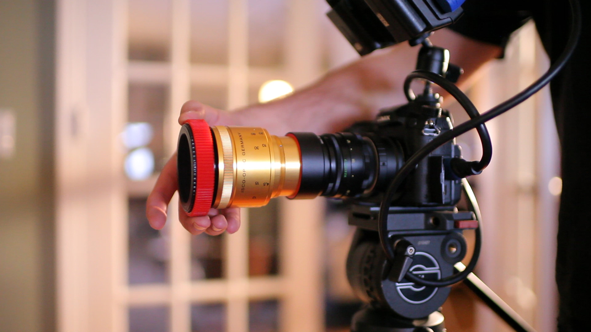 single focusing anamorphic lens kit from Isco
